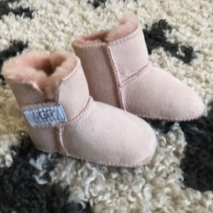 UGG Boots infant size small 2-3
